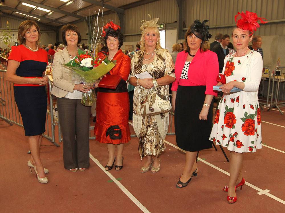 Margaret Kenny, Ballindine won the Best Dressed Lady at the 94th Claremorris Agricultural Show, included in photo from left: Rita Mylett, (Judge); Maureen Finnerty, Show Secretary,  presenting Margaret Kenny with Bouquet of Flowers from Blathanna and 1st prize of Pendant, Bracelet and Earring set, sponsored by Robert Blacoe Jewellers, Claremorris and Galway;  Breda Hyland, Milltown and Ann Burke, Taugheen, Joint 3rd (sponsored by Enjoi Boutique) and Evelyn McLoughlin, Claremorris 2nd (sponsored by Jack Dylan Jewellers). Photo: © Michael Donnelly Photography